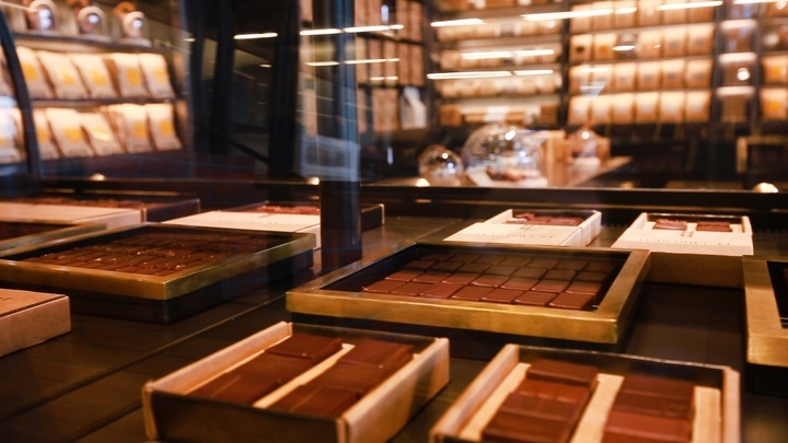 「ル・ショコラ・アラン・デュカス 東京工房」のショコラ