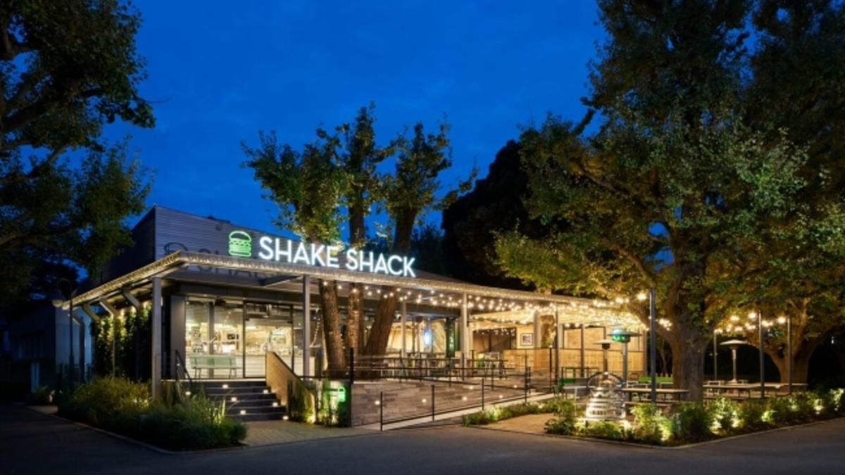 Shake Shack 外苑いちょう並木店